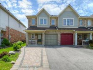 Stylish 3 Bdrm Town Home Has New Hardwood Flooring *WHITBY*