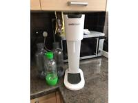 Soda stream with 3 bottles and gas