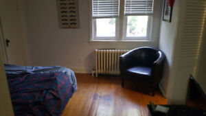 Comfortable Apartment! Sept 1st! Steps to Downtown and Ridley