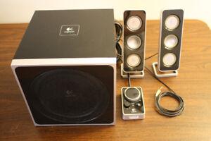Logitech Z4 2.1 Channel Computer Speaker System with Subwoofer