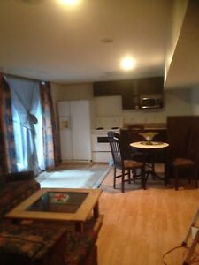 4 ½- Basement-RENTED MONTLY with Wifi / Pool / BBQ / Deposit