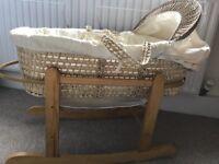 Kinder Valley Moses basket/Stand/mattress