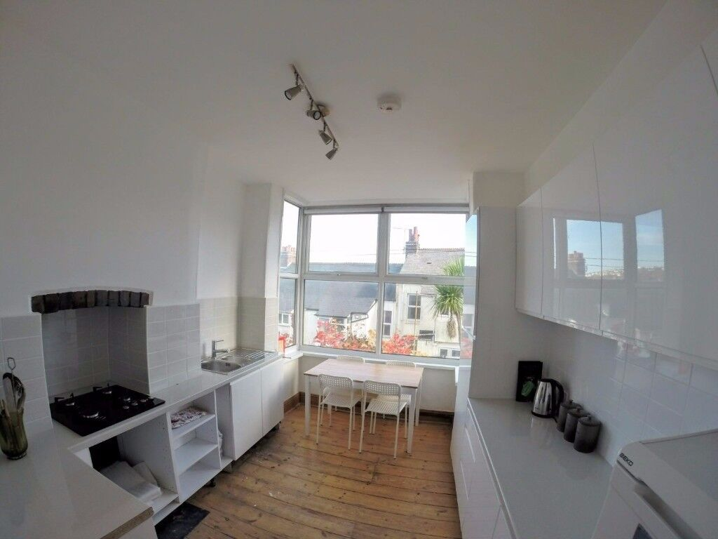 *Student Large double room to rent