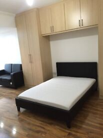 Lovely Newly Refurbished Double Bedroom - Full Furnished - All Bills Inc - Neasden Zone 3