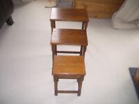 Vintage set of 3 Oak side tables