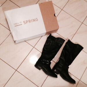 Womens' boots - Brand new - Size 9