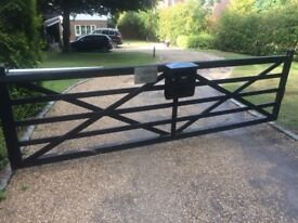 5 bar wooden gate - very good condition