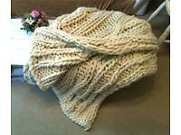 Fat knitted sheep wool blanket