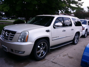 2007 Cadillac Escalade ESV, fully loaded with summer and winter
