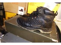 Low Price Workwear!!! Stanley Dewalt Site Used Workwear Bargain Prices!!