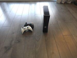 Xbox 360 250gb avec 10 jeux et kinect