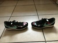 nike air size 7 excellent condition