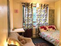 Double Room available @kings cross !! 2 min walking from kings cross Station