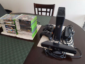 XBox 360 Slim - Kinect, 2 controllers and games