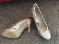 Gold Glitter High Heeled Shoes size 37