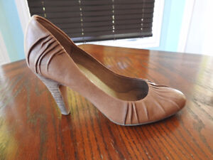 Jessica Simpson High Heels For Sale