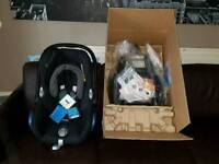 Maxi-Cosi Car Seat and Easyfix Base