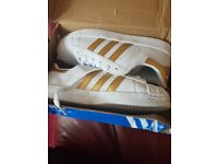 Adidas superstar gold strip trainers size 8