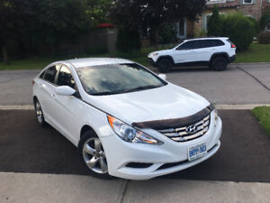 Like New Condition in and out lady driven low km Sonata