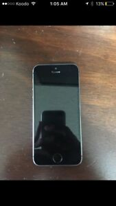 Iphone 5s MINT CONDITION ********