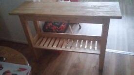 Kitchen bench / breakfast bar