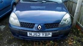 Here's a nice Renault clio car for sale