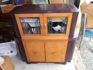 ANTIQUE 1930s Solid Wood Hutch