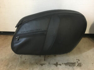 V-Rod Muscle Saddle Bags