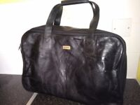 Vintage black leather Beaugency satchel
