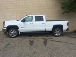 2016 GMC Sierra 2500 HD SLE Pickup Truck - Excellent Condition!