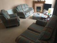 Free! Lovely Three Piece suite