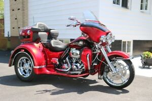 MINT and UPGRADED Harley Davidson FLHTCUTG TriGlide Motorcycle