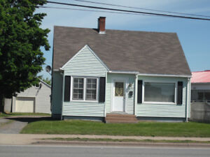 Nice 3 Bedroom House in Central Location in Truro for Rent