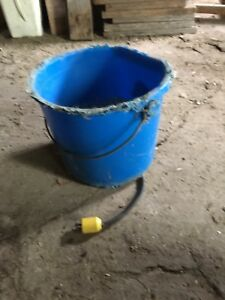 Heated livestock horse water pail
