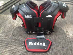 Riddell Kombine Shoulder Pads with Backplate