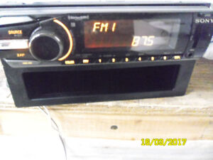 sony cdx gt 660 am/fm usb port and aux output