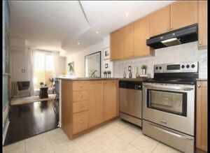 Rarely available 3 bedroom 2 washroom townhouse in davenport!