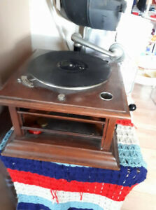 grammaphone with records