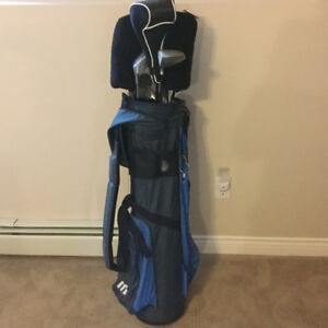 Women's Assorted Golf cLubs, Includes Golf Bag