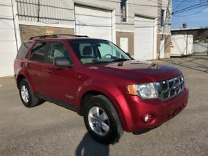 2008 Ford Escape AWD SEULEMENT 110km