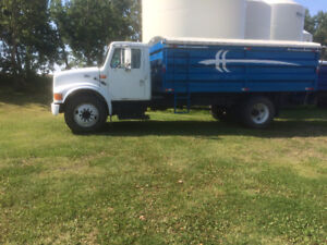 2001 International Harvester Other 4700 Other