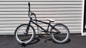 Fit bike bmx 250$ barely used
