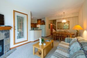 Bright 2 bedroom with peek-a-boo views of the mountains!