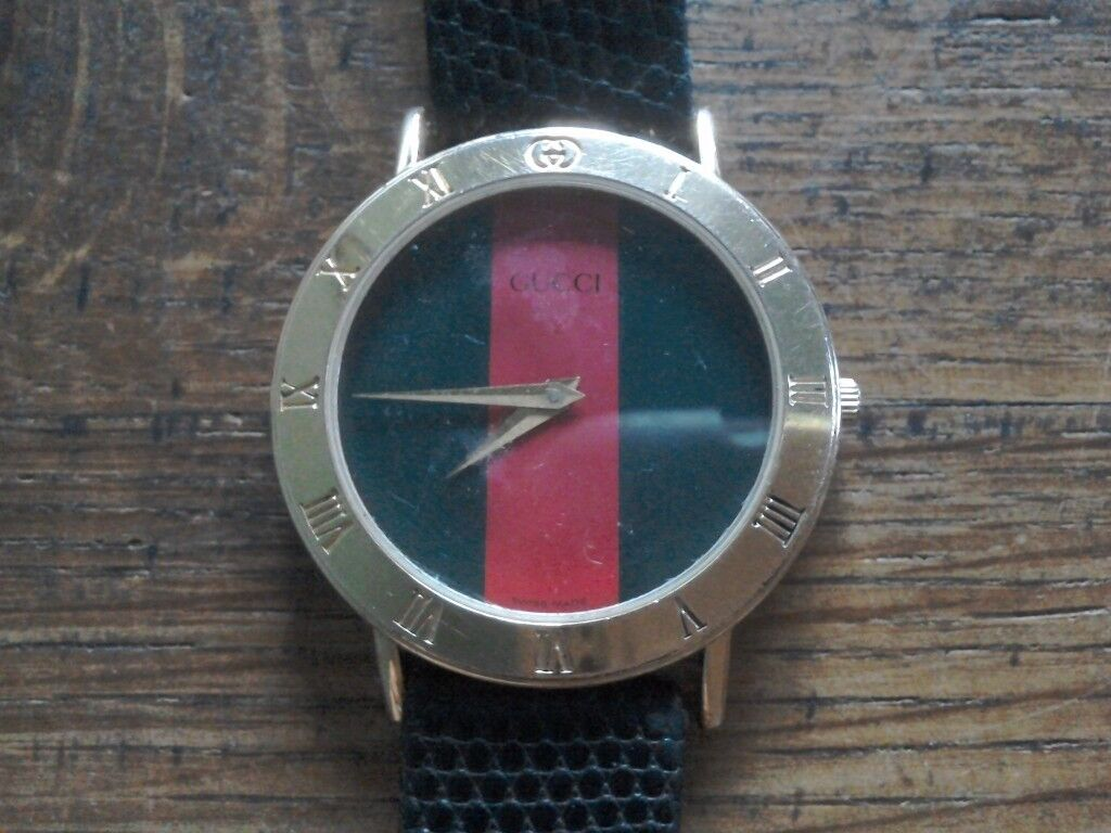 Gucci men's watch fully working Vintage 3000.2.M serial number 0337915