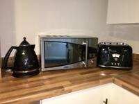 DeLonghi Kettle, Toaster and Microwave Set for £50.00!