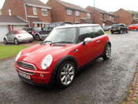 MINI COOPER HATCHBACK STUNNING RED 2005 ONLY 77K MILES BARGAIN ONLY £1750 *LOOK* PX/DELIVERY