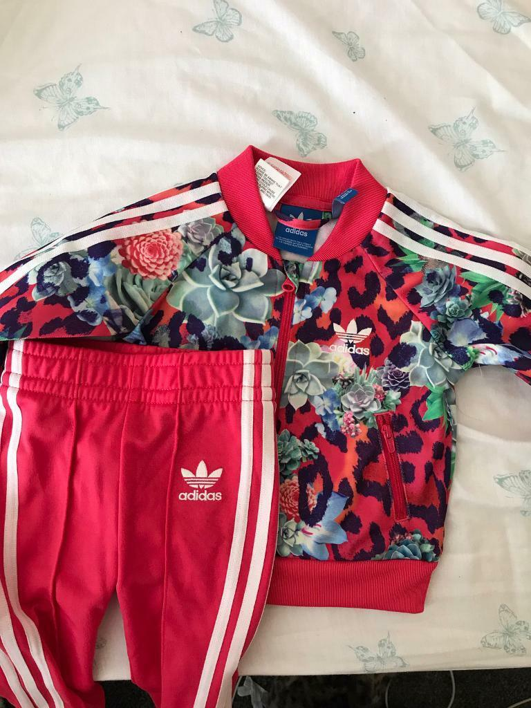 Baby Girls Bundle 3 6mBath Seatin Wyke, West YorkshireGumtree - Baby Girls clothing bundle 3 6m (some extra baby grows are 3m but fit mine right through to being 5m old). Full wardrobes worth of clothes everything from track suits to dresses. Two packs of brand new vests also. Brands mainly Mothercare, Asda and...