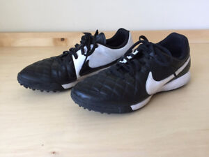 Souliers de soccer gazon synthétique - turf soccer shoes