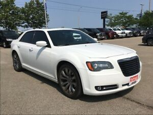 2014 Chrysler 300 300S**LEATHER**PANORAMIC SUNROOF**