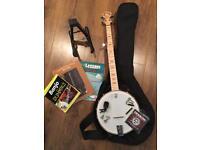 Deering Goodtime Banjo and Accessories